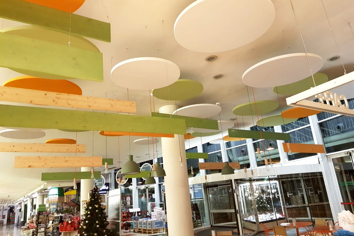 Shopping-center-hall-Iper-Monza-Aural-sound-absorbers