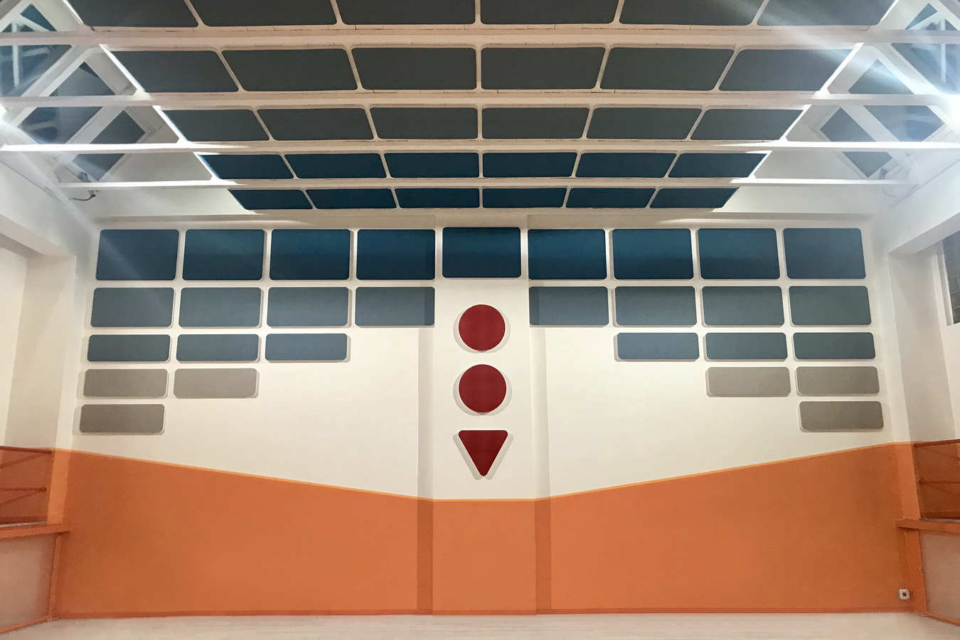 Reverb-control-in-school-gyms-sound-absorbing-panels