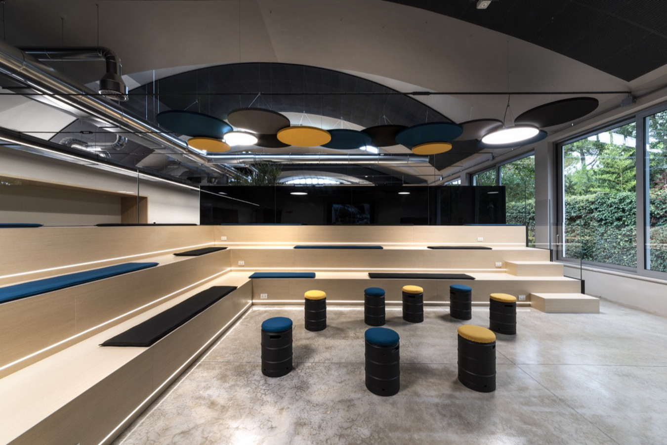 Acoustics-in-event-locations-sound-absorbing-furniture
