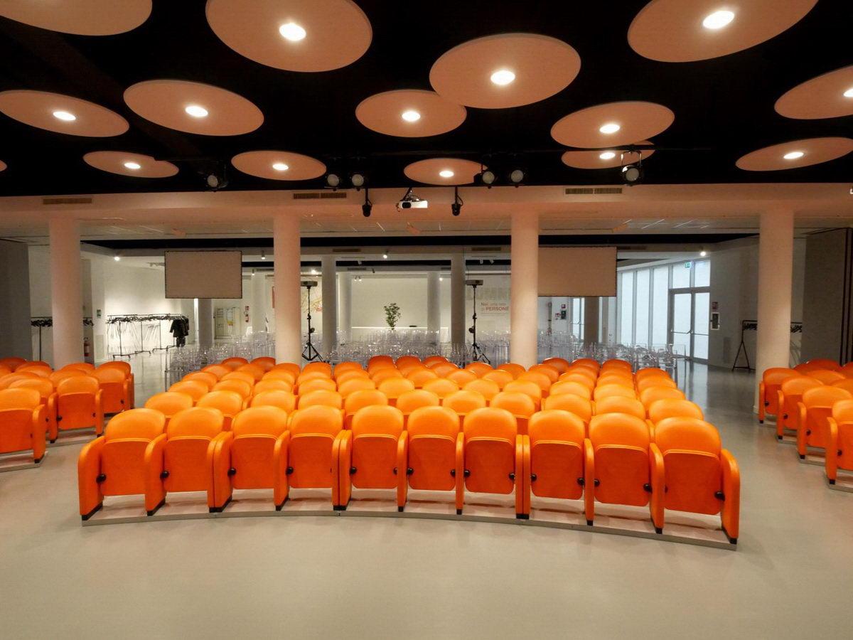 Auditorium-Padova-Aural-acoustic-lamps