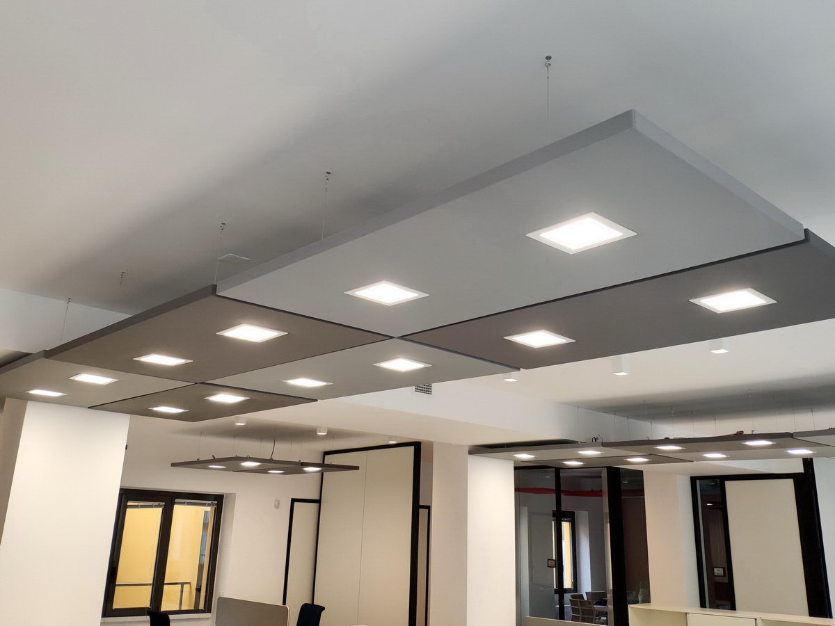 Acoustic-sound-absorbers-with-lights-for-open-workspace