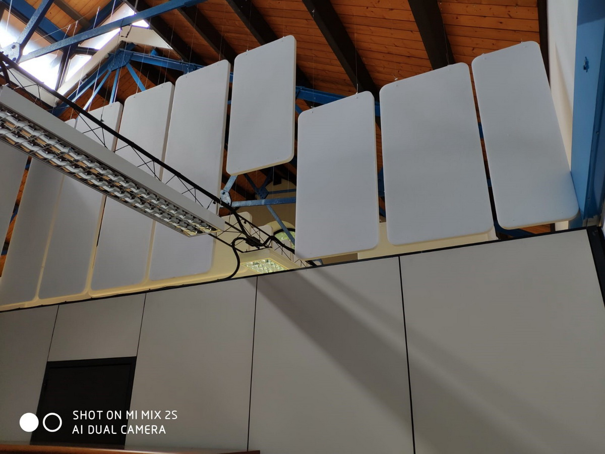 Baffles-vertical-ceiling-installation-offices-acoustic-treatment