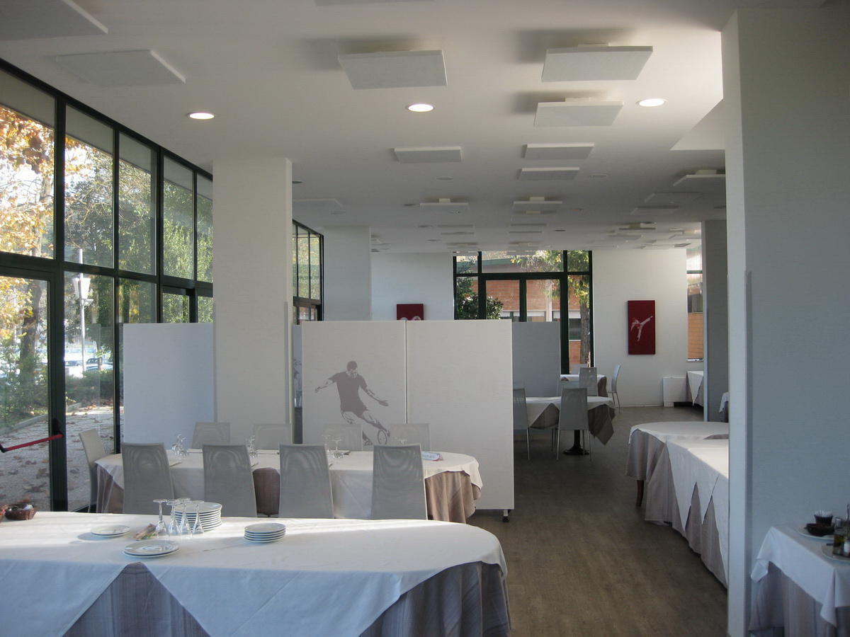 Restaurant-sound-absorbing-panels-acoustic-correction